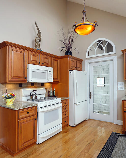 Kitchen Transformations: 10 Stunning Kitchen Transformations That We Only Changed