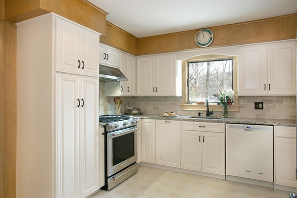 Kitchen Remodel with White Cabinets