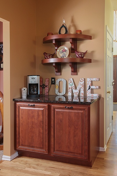 Custom Kitchen Cabinets and Shelves