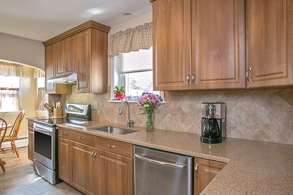 Transitional Kitchen with Neutral Colors