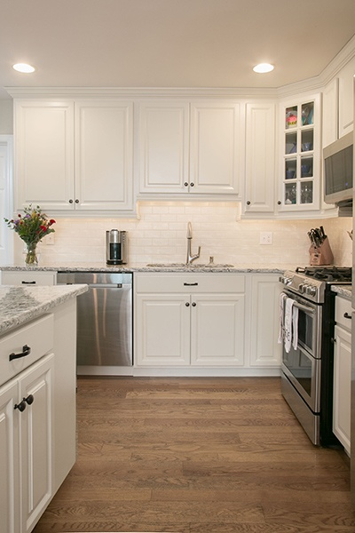 Wide walk-ways create safer kitchen space