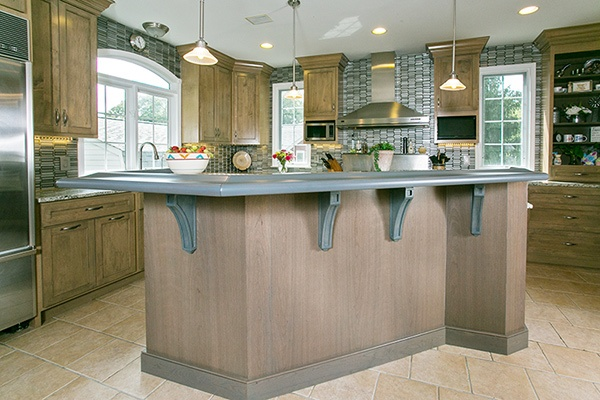 Driftwood Stained Island Complements