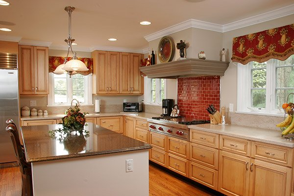 Is It Okay To Use Different Color Finishes In The Same Kitchen