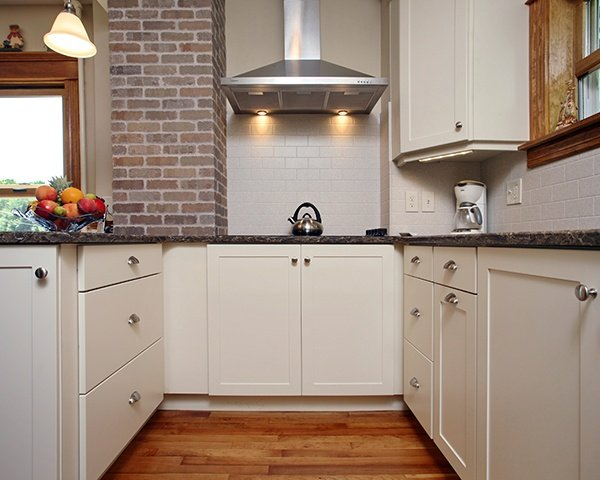Is There A Dark Side To White Kitchen Cabinets