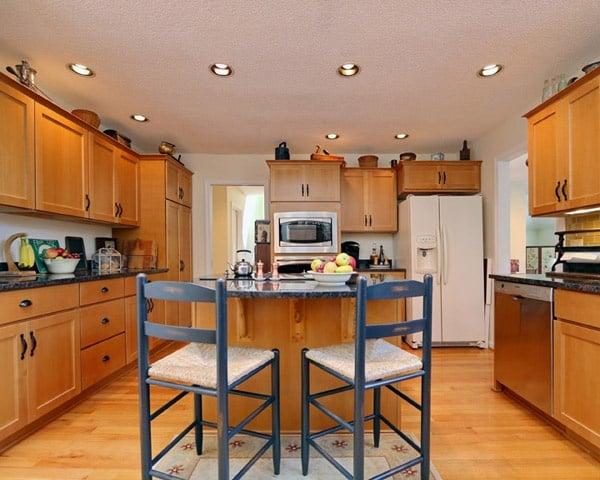 contemporary vs modern vs transitional kitchen design. Black Bedroom Furniture Sets. Home Design Ideas