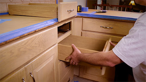refacing-kitchen-cabinets-step-1